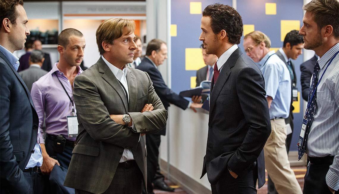 Steve Carrell y Ryan Gosling en una escena de la película The Big Short