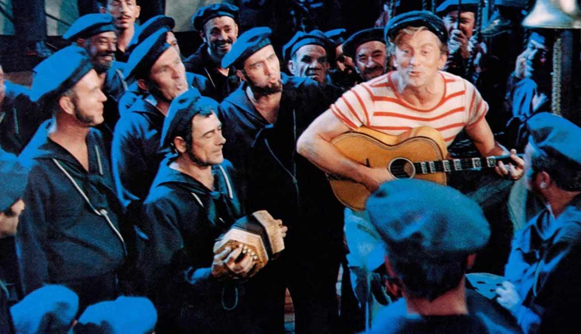 Kirk Douglas cumple 100 años - En una escena de la película 20,000 Leagues Under the Sea (1954)