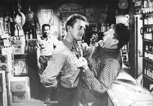 Kirk Douglas cumple 100 años - En una escena de la película Lonely Are The Brave
