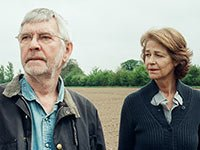 Tom Courtenay y Charlotte Rampling en una escena de 45 Years