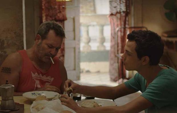 Jorge Perugorría y Héctor Medina en una escena de la película 'Viva'