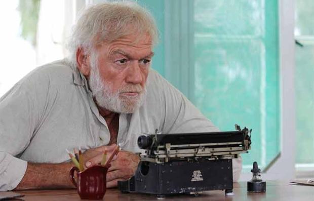 El actor Adrian Sparks en una escena de la pelíula, Papa Hemingway in Cuba
