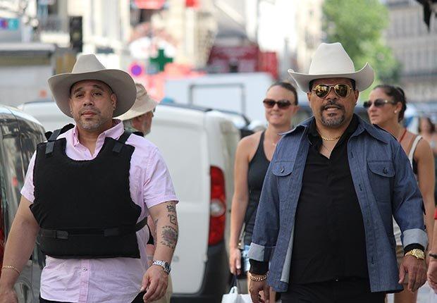 Edgar Garcia y Luis Guzman en la comedia 'Puerto Ricans in Paris' - Películas para ver en los estrenos de verano 2016