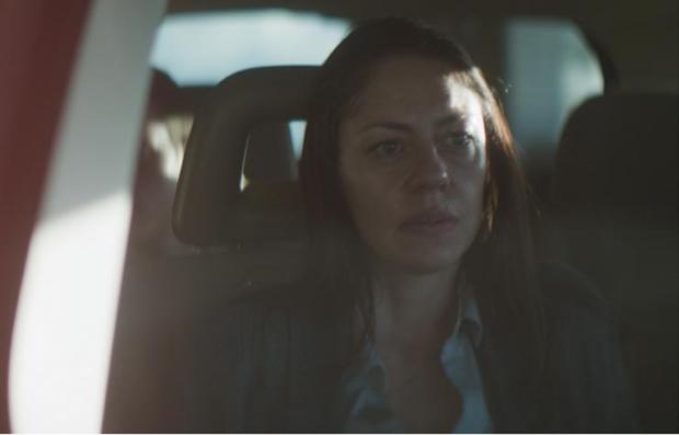 Jana Rauley en una escena de la película 'Un monstruo de mil cabezas'