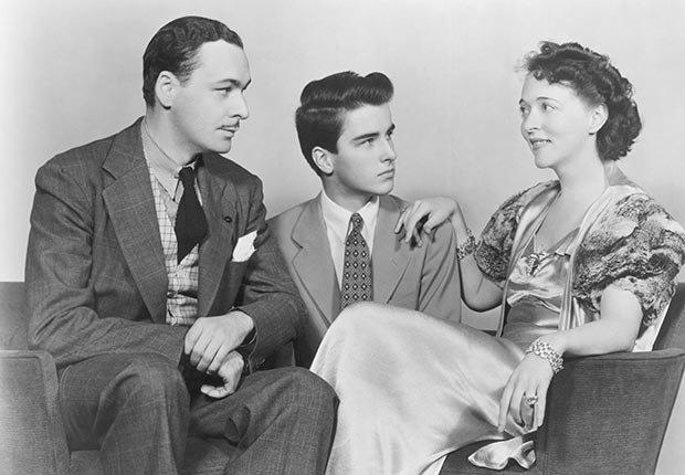 Wilton Graff, Montgomery Clift y Jessie Royce en la obra de teatro 'Dame Nature'