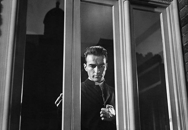 Montgomery Clift, una leyenda de Hollywood, en una escena de 'I Confess'