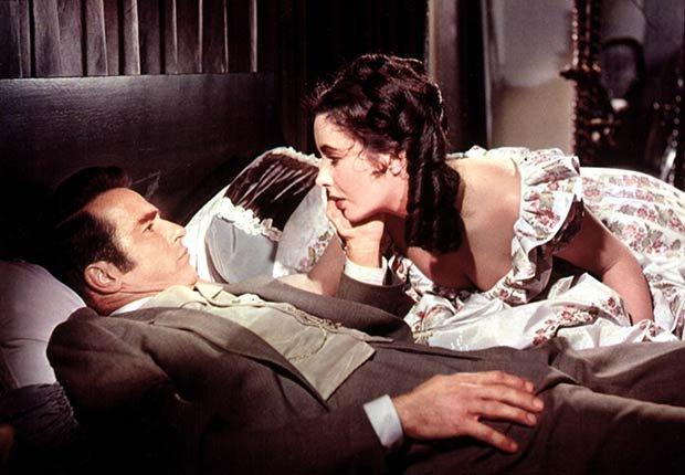 Montgomery Clift y Elizabeth Taylor en una escena de 'Raintree County'