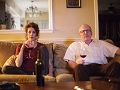 Escena de la película The Lovers protagonizada por Debra Winger y Tracy Letts