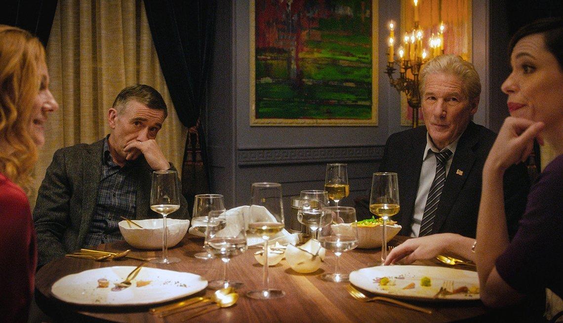 Laura Linney,Steve Coogan, Richard Gere y Rebecca Hall en una escena de The Dinner, 2017