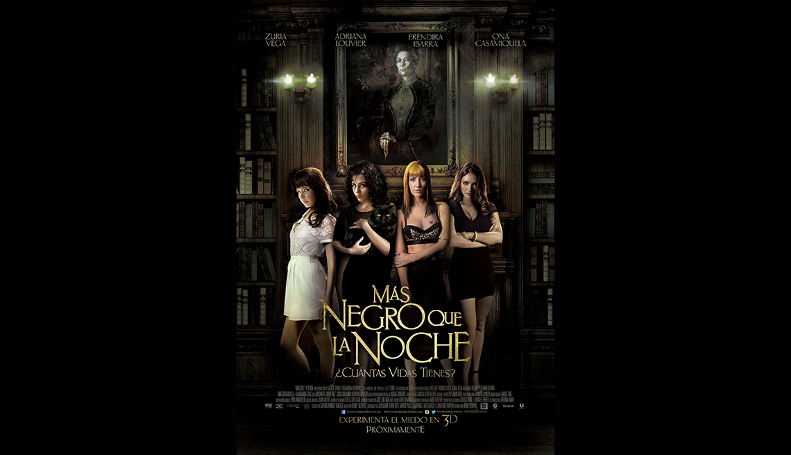 Zuria Vega, Adriana Louvier, Erendira Ibarra y Ona Casamiquela, en el filme Mas Negro que la Noche