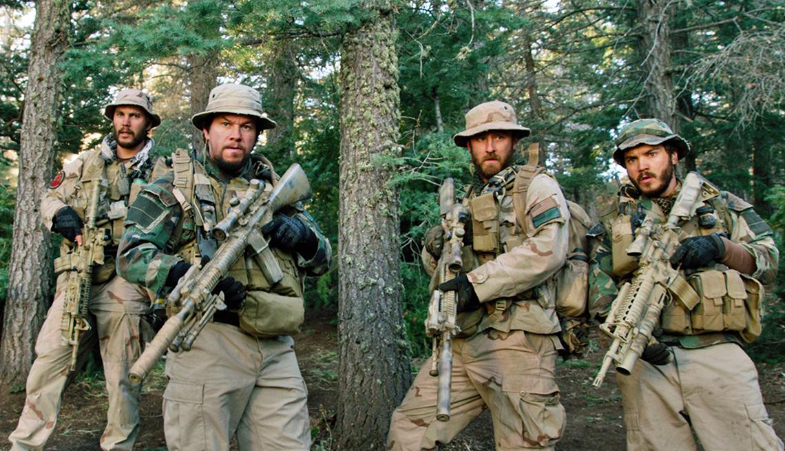 Taylor Kitsch, Mark Wahlberg, Ben Foster y Emile Hirsch en una escena de 'Lone Survivor'.