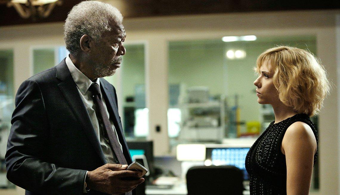 Morgan Freeman, Scarlett Johansson, en la pelicula Lucie