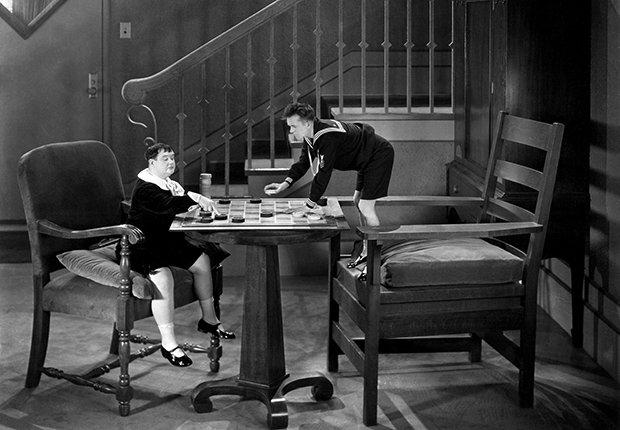 El Gordo y el Flaco, Laurel y Hardy en una escena de la película Brats