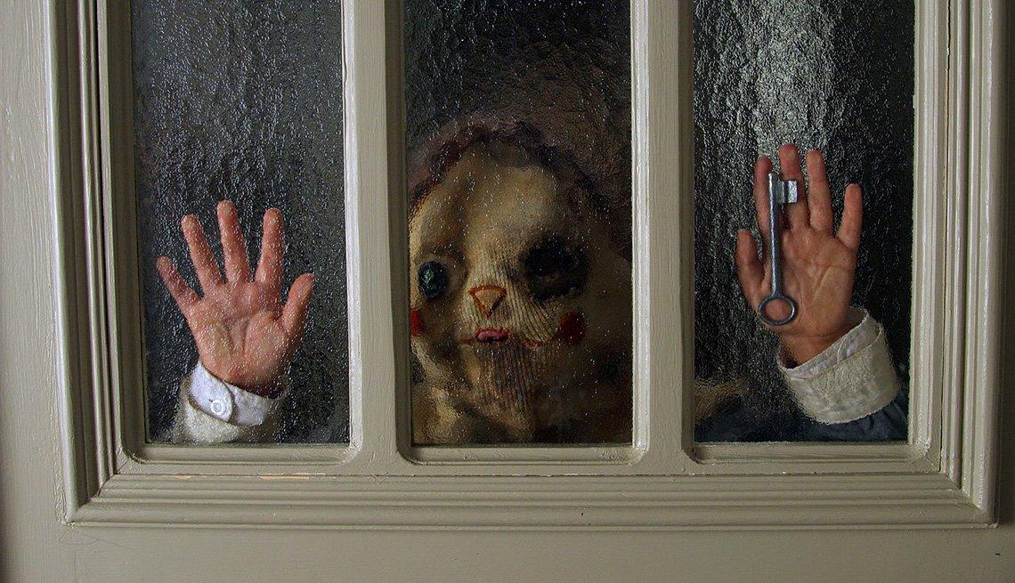 Escena de El orfanato, películas de terror dirigidas por hispanos