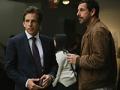 Ben Stiller y Adam Sandler en una escena de la película The Meyerowitz Stories de Netflix