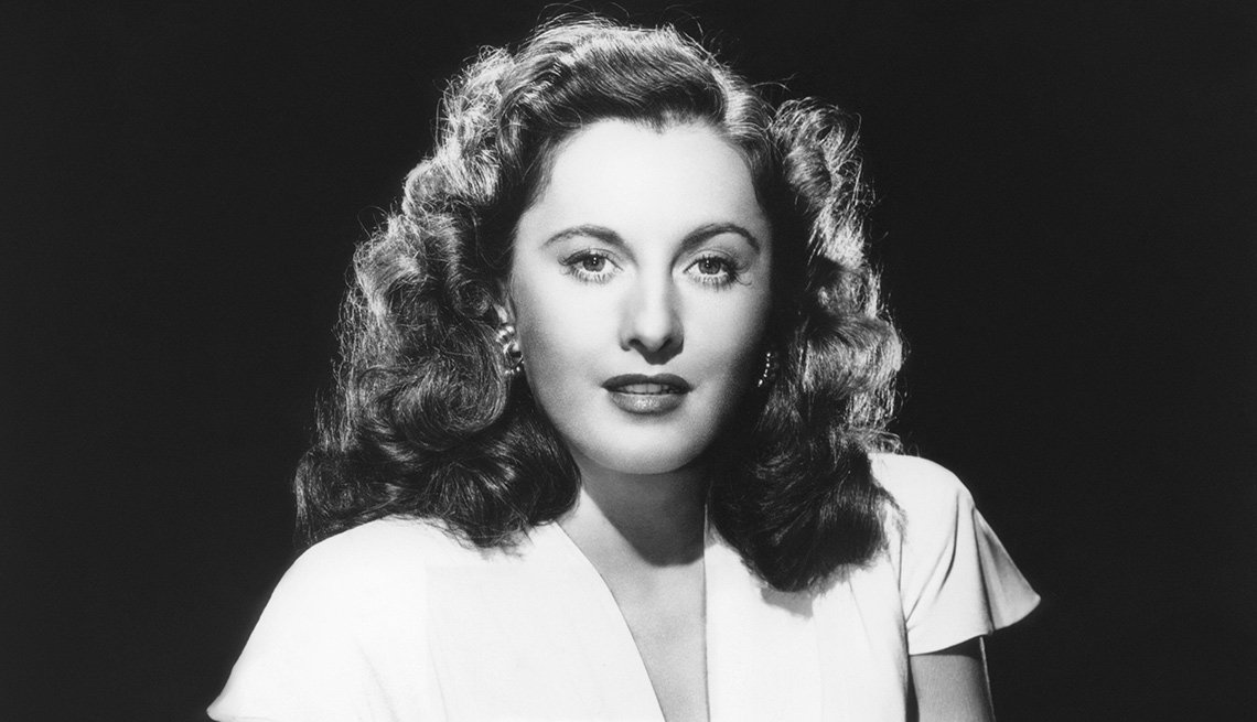 Retratp de Barbara Stanwyck en los años 40, y su carrera en Hollywood