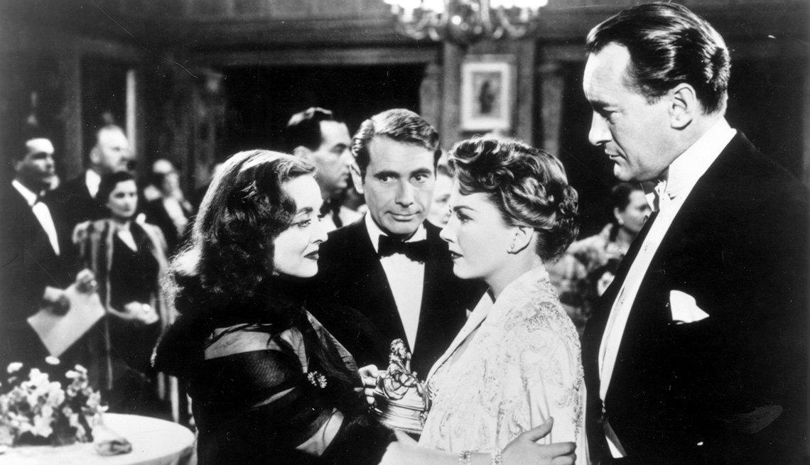 Escena de la película All About Eve con Bette Davis, Gary Merril, Anne Baxter y George Sanders