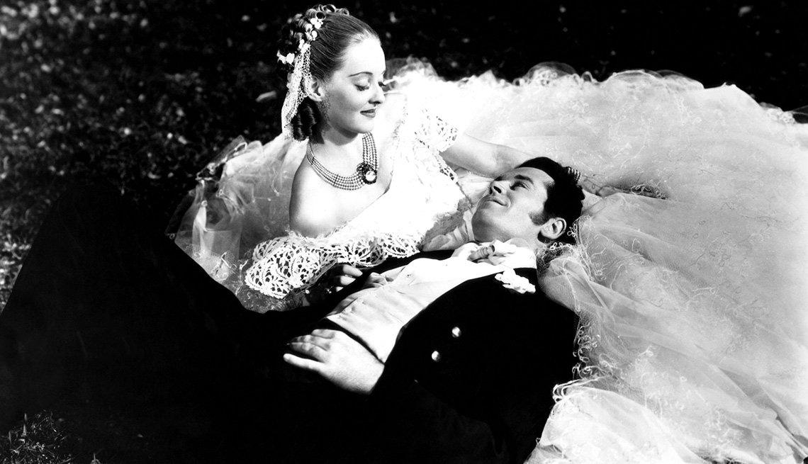 Bette Davis en una escena de Jezebel, 1938