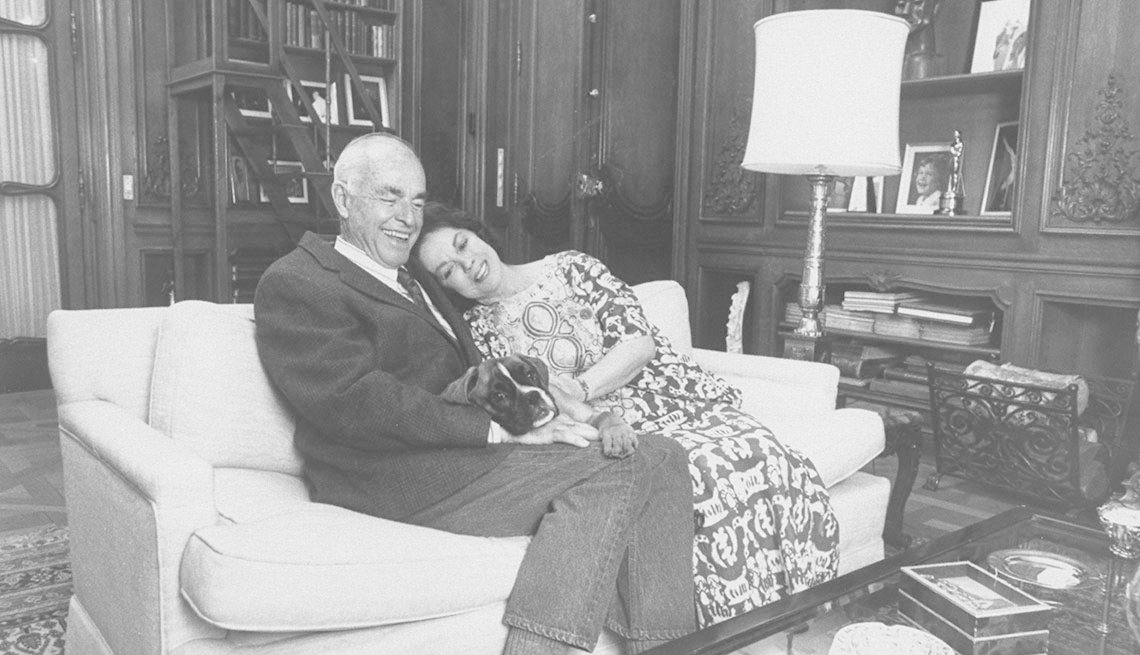 item 12 of Gallery image - Shirley Temple y su esposo Charles Black