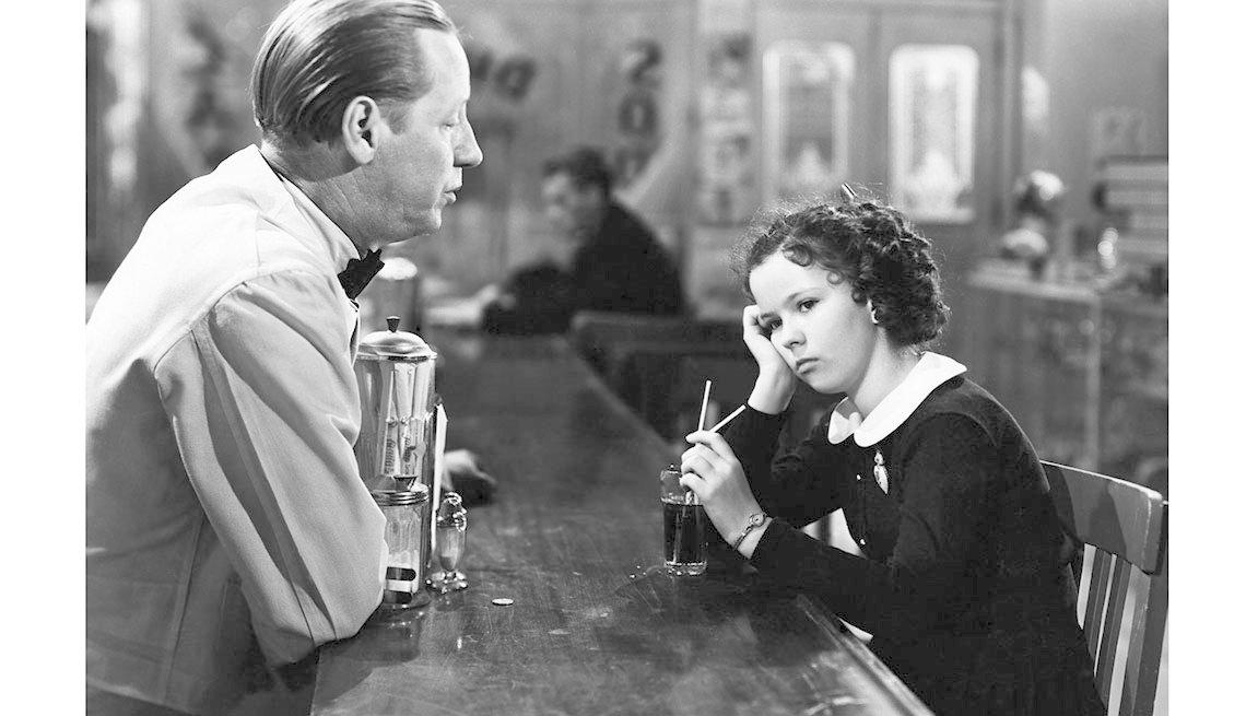 item 10 of Gallery image - Shirley Temple en la película YOUNG PEOPLE, 1940