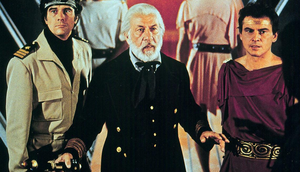 item 12 of Gallery image - José Ferrer en una escena de The Amazing Captain Nemo