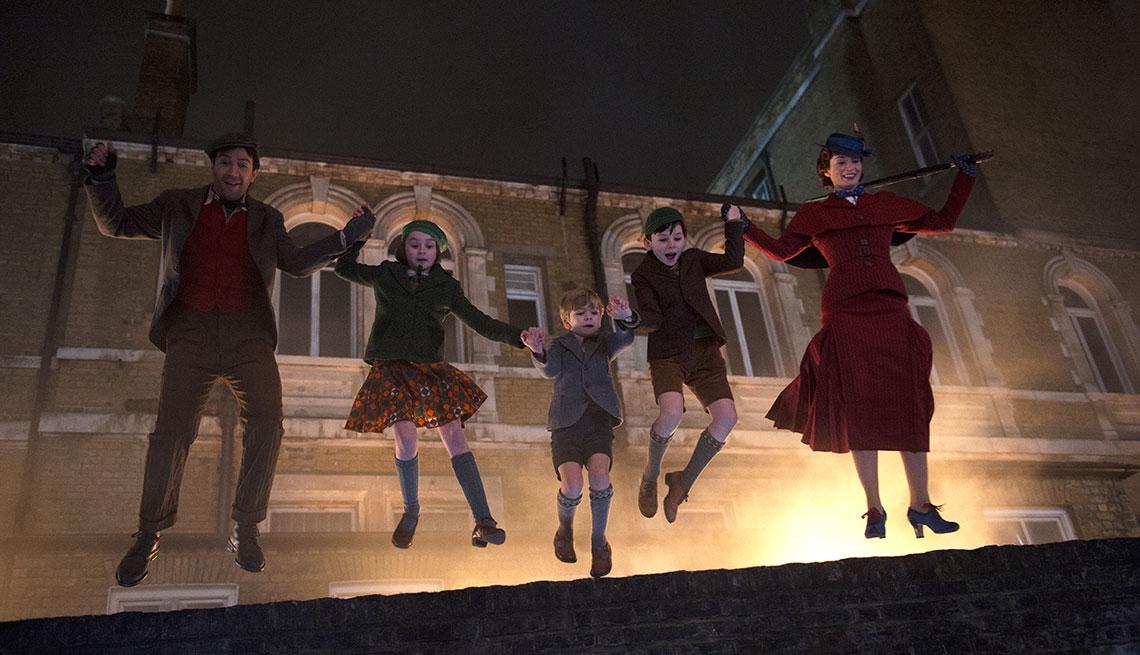 Escena de la película Mary Poppins Returns con Lin-Manuel Miranda