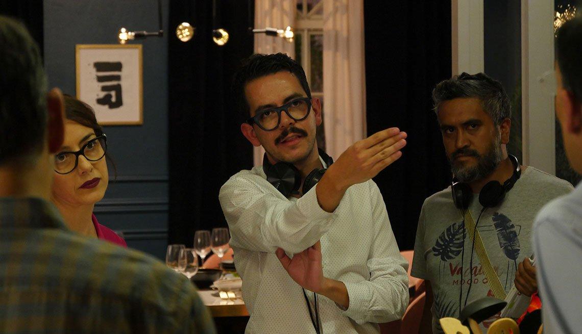 Manolo Caro en el set de la película Perfectos desconocidos.