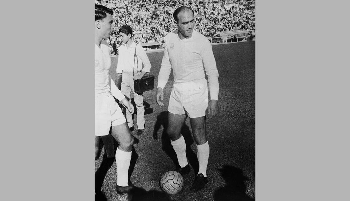 item 4 of Gallery image - Alfredo Di Stéfano, Astros del fútbol latinoamericano