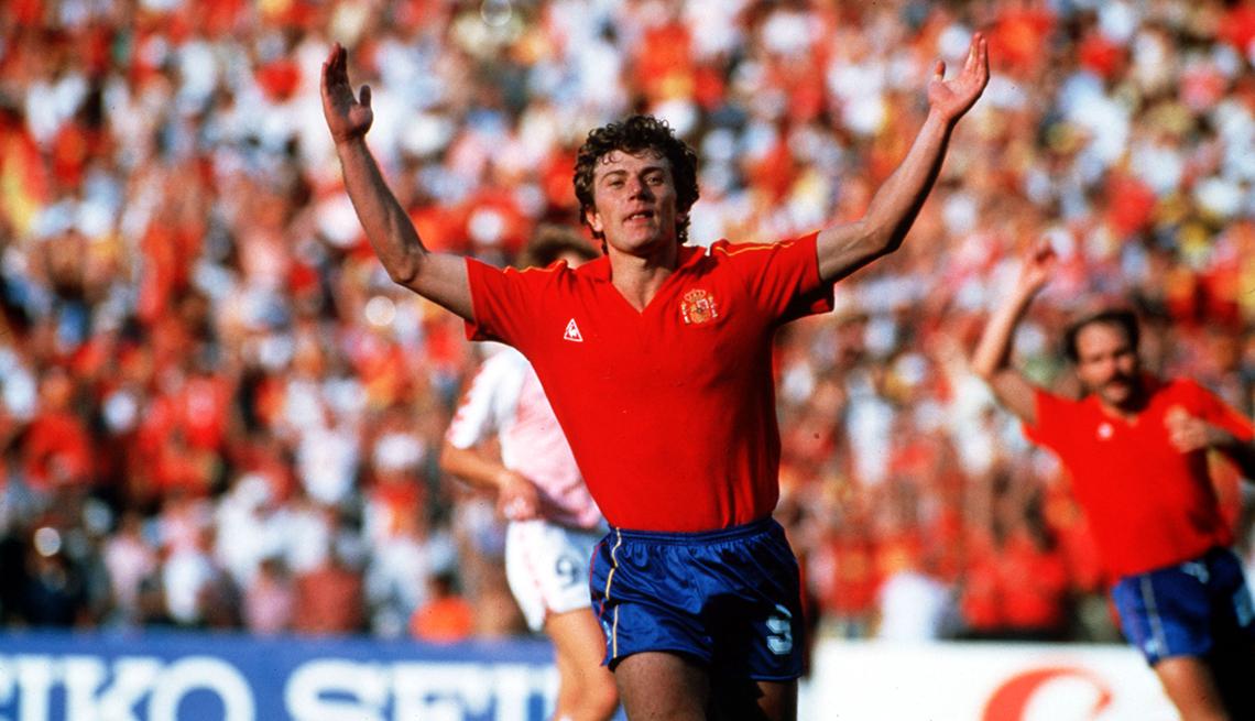 "item 12 of Gallery image - Emilio ""El Buitre"" Butragueno, Astros del fútbol mundial"