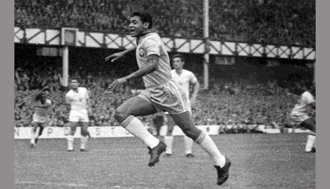 item 5 of Gallery image - Garrincha, Astros del fútbol mundial