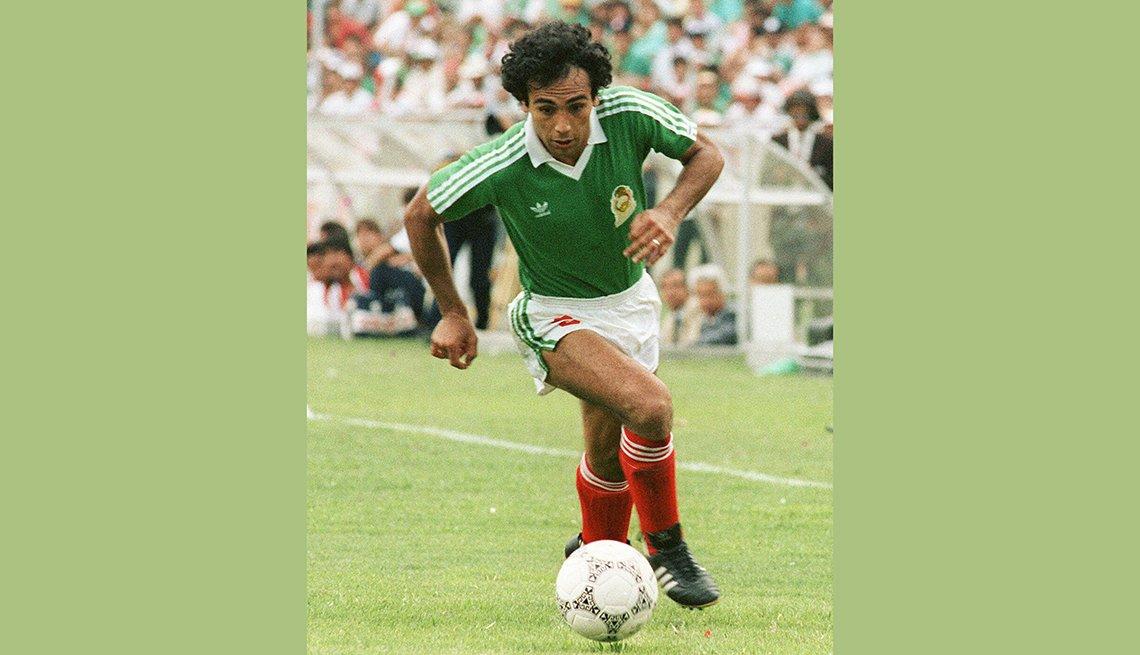 Hugo Sanchez, Astros del fútbol mundial