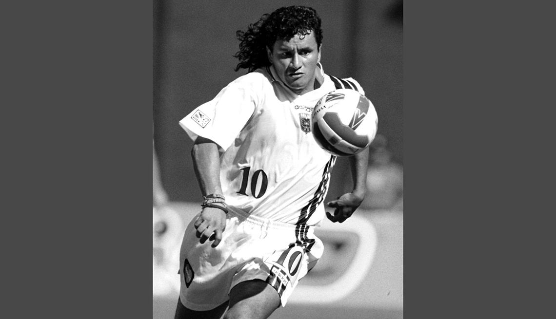 item 9 of Gallery image - Marco Etcheverry, Astros del fútbol mundial