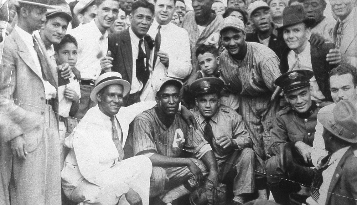 item 3 of Gallery image - Martin Dihigo, pasión por el béisbol
