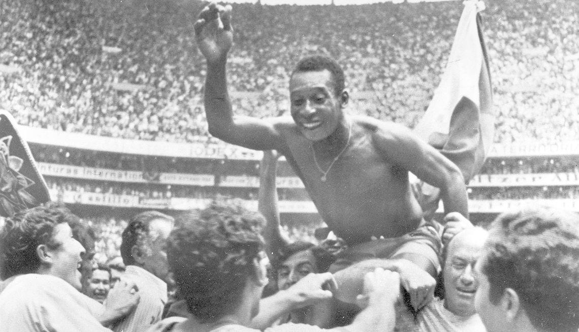 Pelé, Astros del fútbol mundial