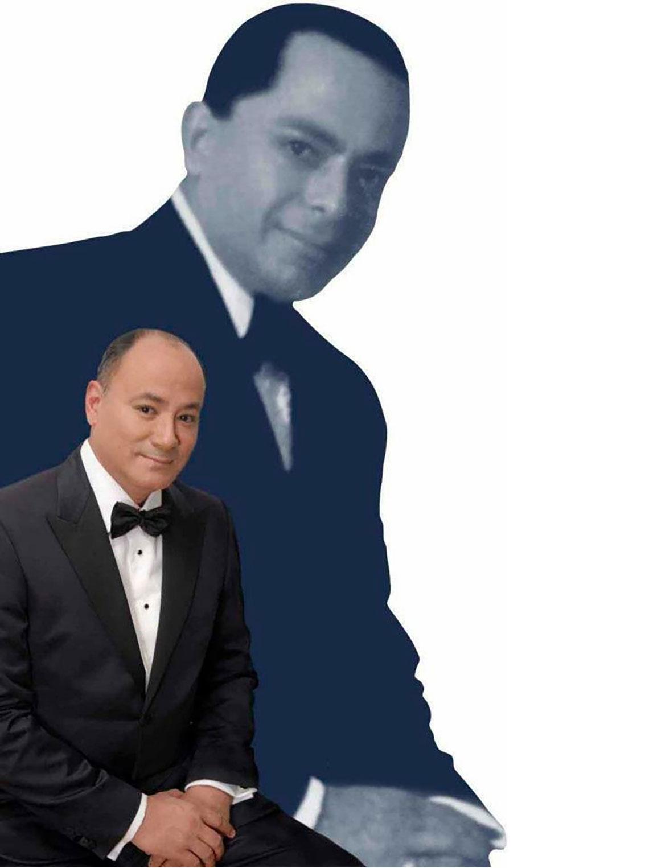 Tito Rodríguez Jr. con una imagen de su padre al fondo Tito Rodríguez