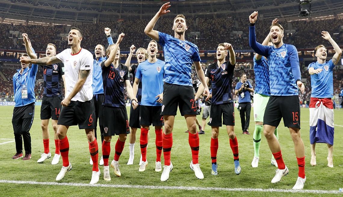 El equipo croata festeja su victoria en el Mundial de Rusia