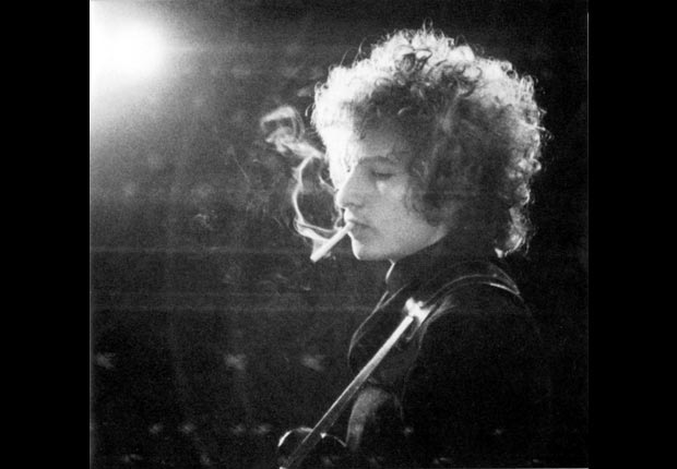Bob Dylan performs in 1965