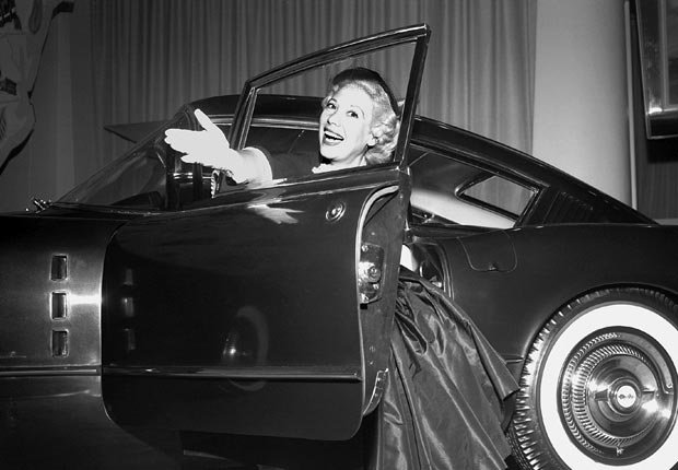 Dinah Shore was the spokesperson for Chevrolet's marketing campaign, See the USA from your Chevrolet