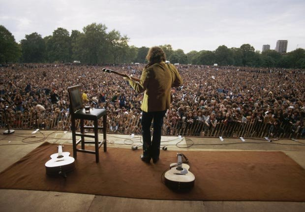 Don McLean performs in Hyde Park on May 31, 1975