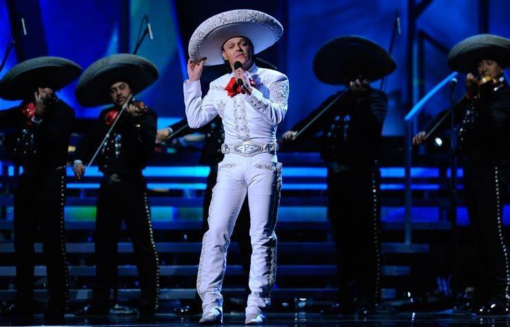 Pedro Fernández, cantante mexicano.