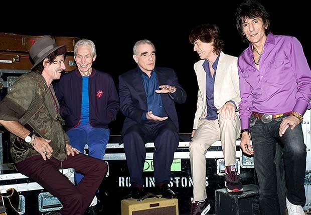 Rolling Stones - El director Martin Scorsese (centro) con Keith, Charlie, Mick y Ron durante el rodaje de su documental de 2008 acerca de la banda, Shine a Light.