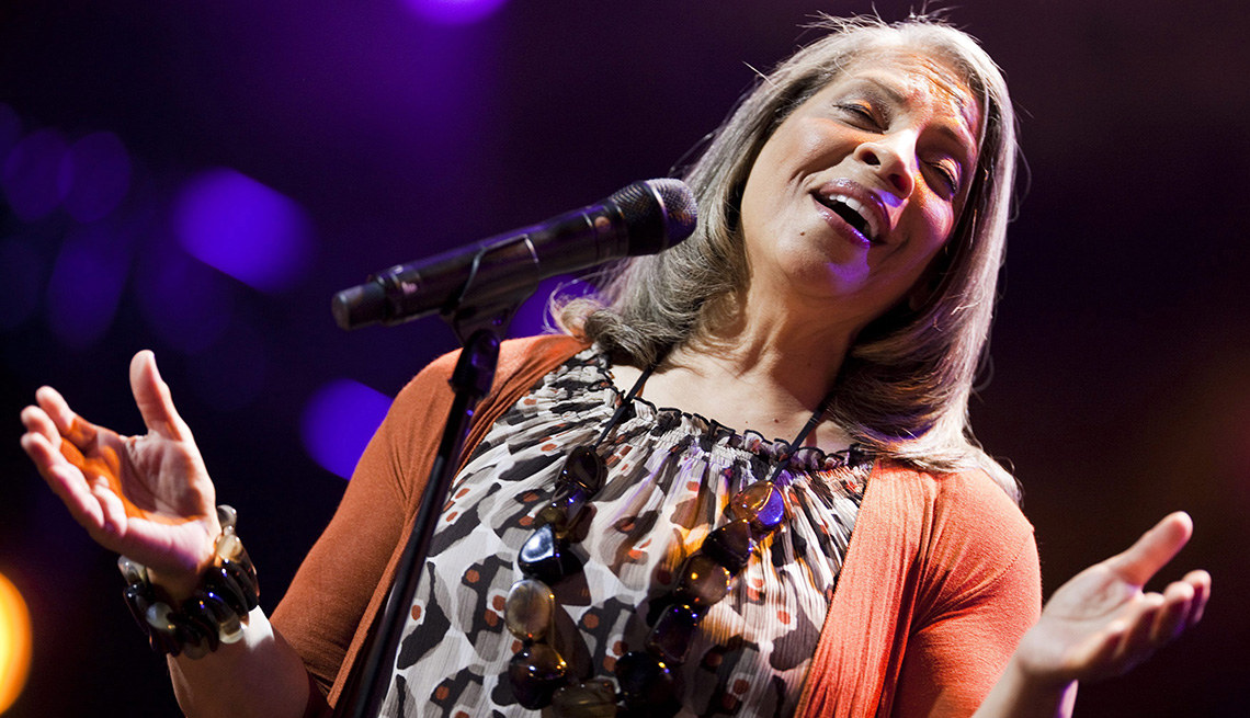 Patti Austin, Singer, On Stage, Performance, Concert, Microphone, Five Tips For Aspiring Singers