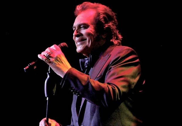 Engelbert Humperdinck performs