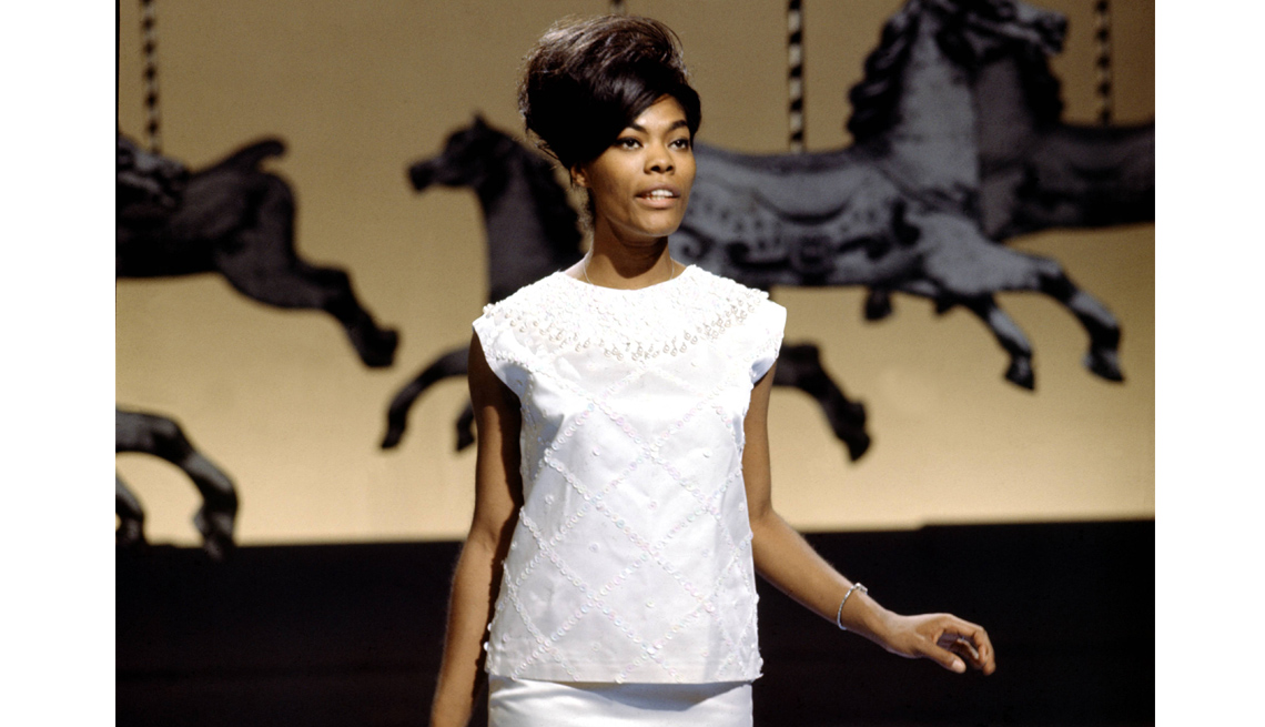 Dionne Warwick, Young, White Dress, Performance, Singer, Interview