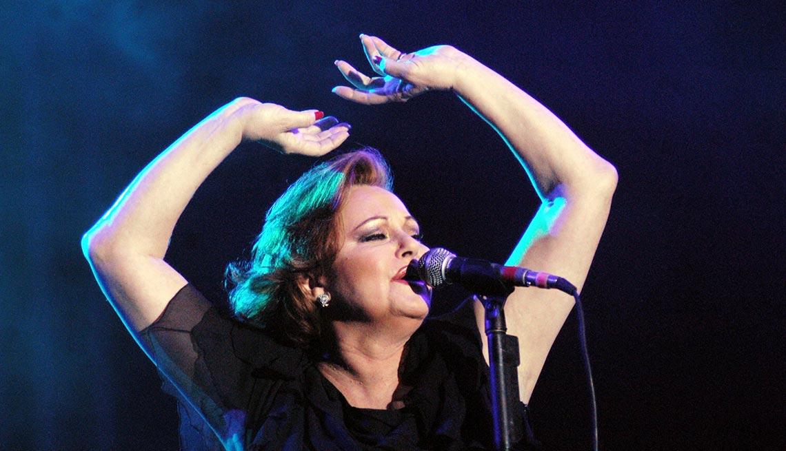 item 2 of Gallery image - Rocío Durcal - Canciones clásicas del pop latino y sus intérpretes