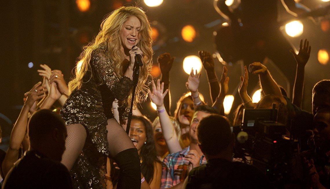 Shakira - Canciones clásicas del pop latino y sus intérpretes