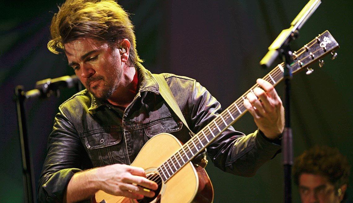 Juanes - Canciones clásicas del pop latino y sus intérpretes