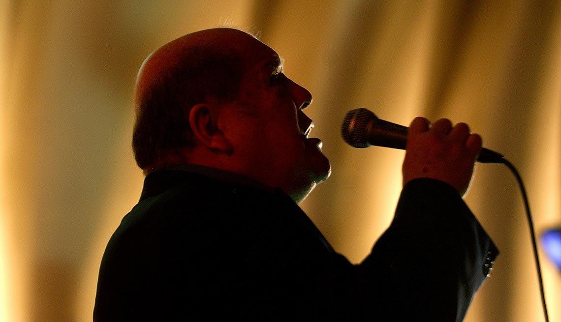 Leo Dan - Canciones clásicas del pop latino y sus intérpretes