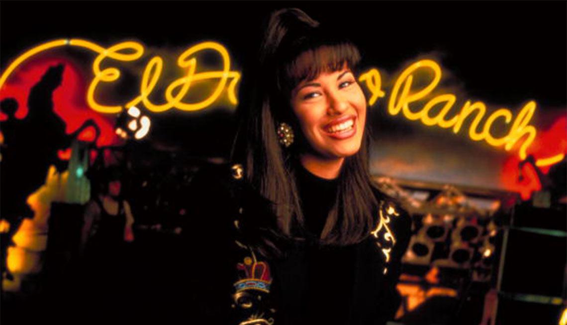 item 1 of Gallery image - Selena - Su carrera en imágenes