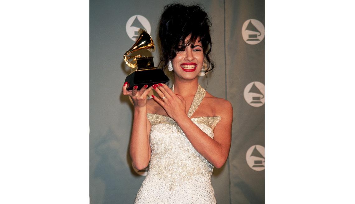 item 3 of Gallery image - Selena - Su carrera en imágenes